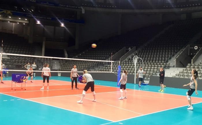 Националките водят подготовка в Арена Монбат Русе